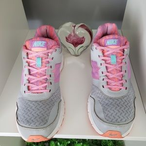 Nike Shoes - nike air relentless 4 66305e1c0d2b